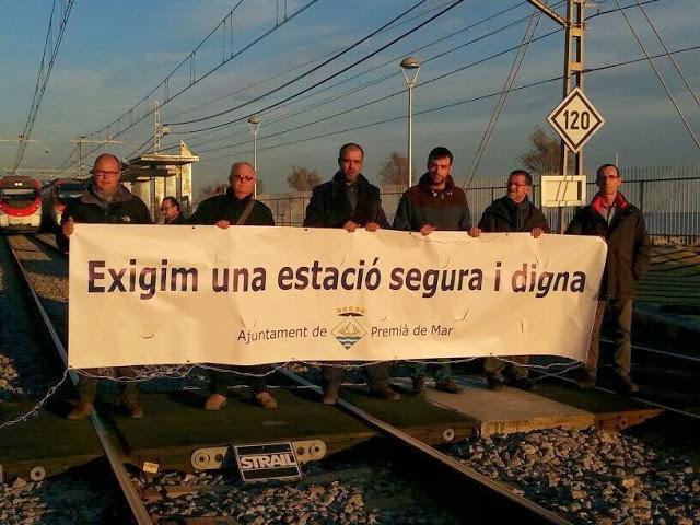 Manifest conjunt exigint solucions i responsabilitats pel nyap de l'estació de Premià de Mar