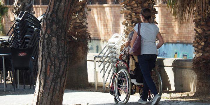 El Ple aprova una proposta de Crida per eliminar barreres arquitectòniques a l'espai urbà que dificulten la mobilitat